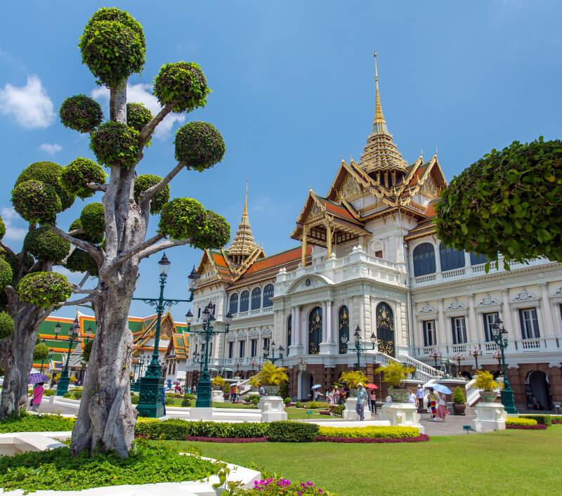Eine bliebte Touristenattraktion in Bangkok: Der Große Palast der thailändischen Könige. Foto: Alexander Mazurkevich / Shutterstock.com