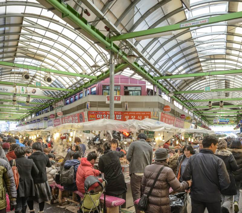 Gwangjang Market in Seoul. Foto: Sean Pavone / Shutterstock.com