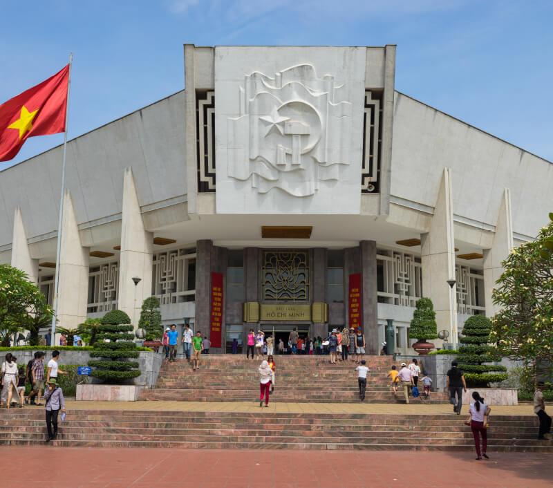 Das Ho Chi Minh Museum in Hanoi. Foto: Vietnam Stock Images / Shutterstock.com