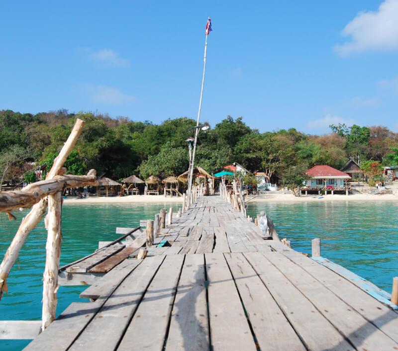 Die Insel Koh Samet liegt nur wenige Kilometer vom thailändischen Festland entfernt. Foto: blizzardwolfs / Shutterstock.com
