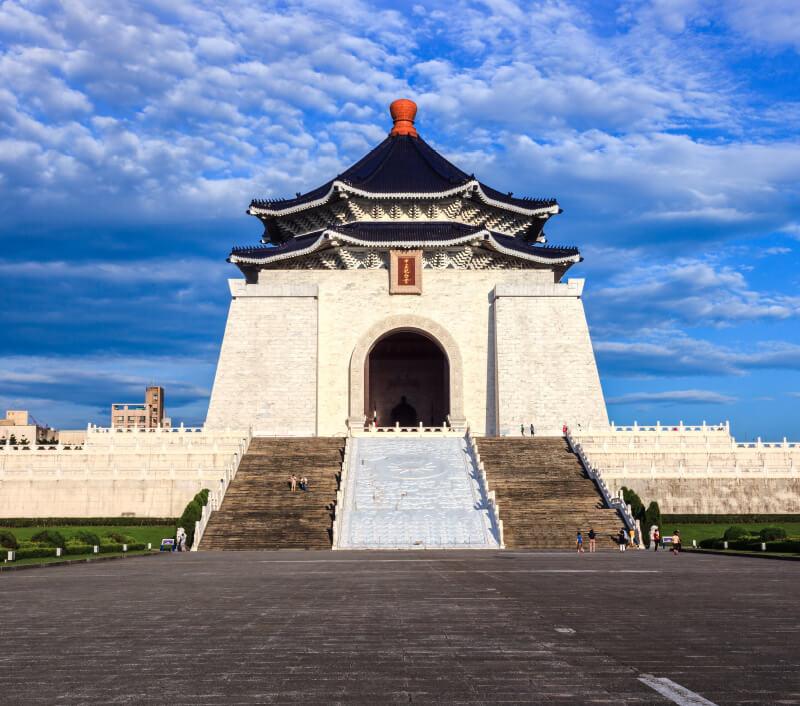 Zhongzheng Memorial Hall, die Nationale Chiang-Kai-shek-Gedächtnishalle in Taipeh ist eine beliebte Sehenswürdigkeit. Foto: FenlioQ / Shutterstock.com
