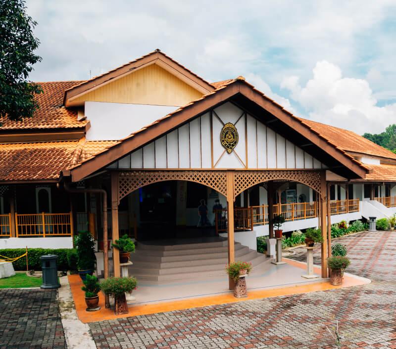Das Royal Malaysia Police Museum in Kuala Lumpur. Foto: Sanga Park / Shutterstock.com