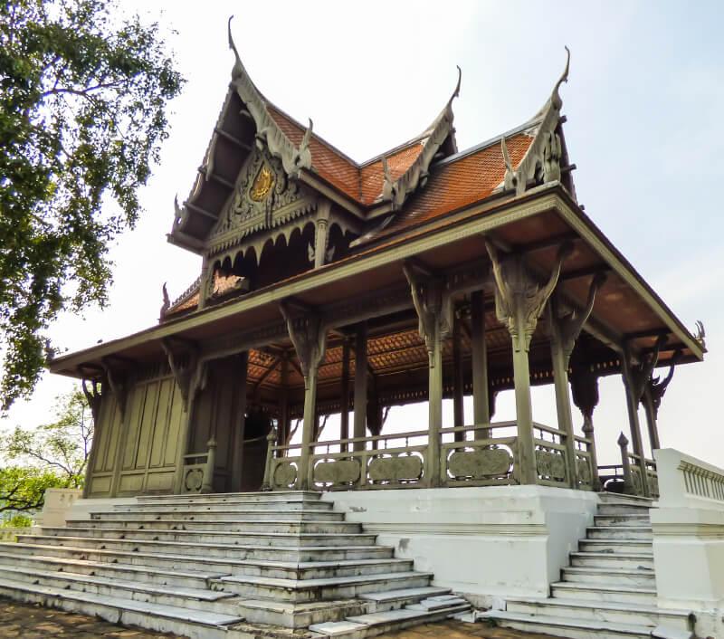 Der Santichaiprakarn Park in Bangkok. Foto: Helissa Grundemann / Shutterstock.com