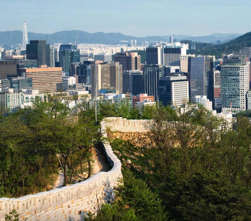 Die Stadtmauern von Seoul (Südkorea). Foto: shoenberg3 / Shutterstock.com