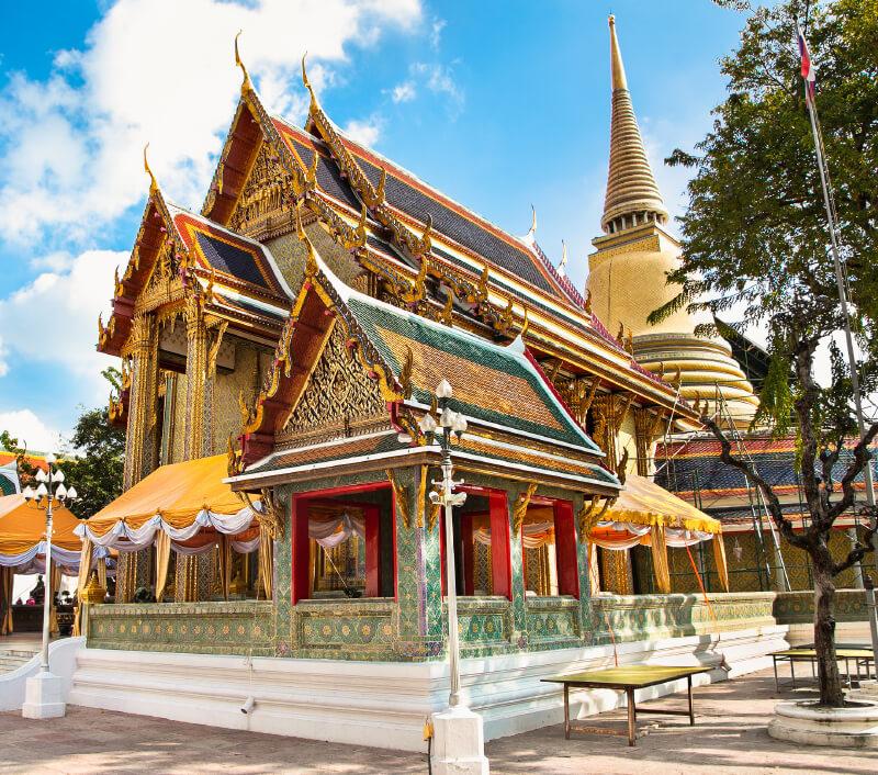 Der Tempel Wat Ratchabophit in Bangkok. Foto: Aleksandar Todorovic / Shutterstock.com