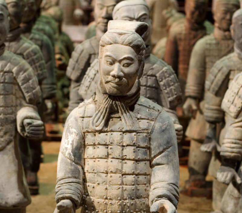 Xi'an ist vor allem für die Terrakotta-Armee weltberühmt. Foto: Daniel Padavona / Shutterstock.com